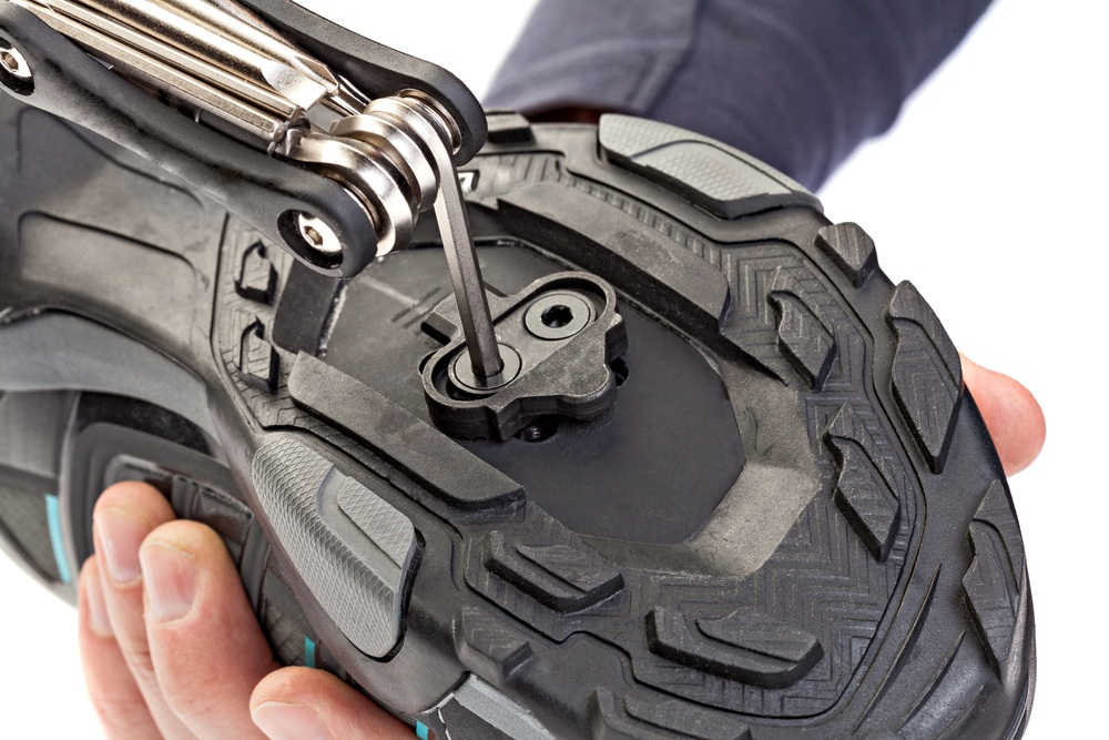 how to install clipless pedals